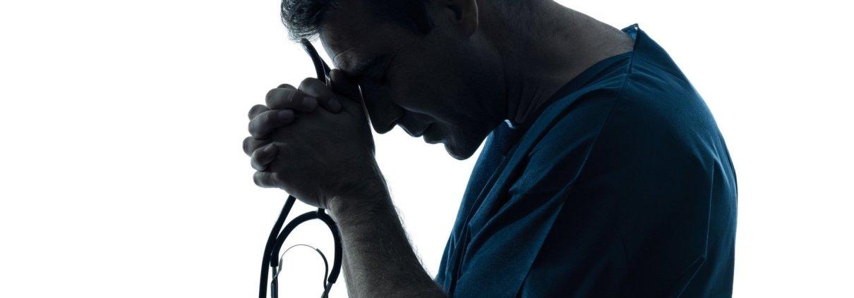 Incredible doctor praying
