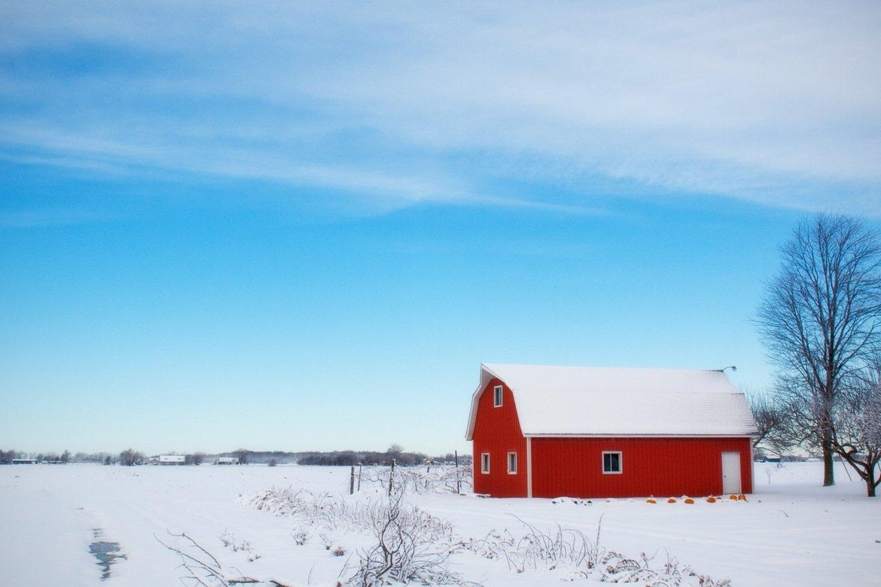 snow barn photo
